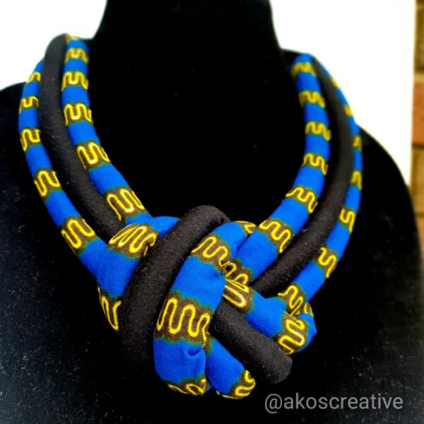 Ladies Fashion Costume Rope Necklace Magnetic clasp blue tones